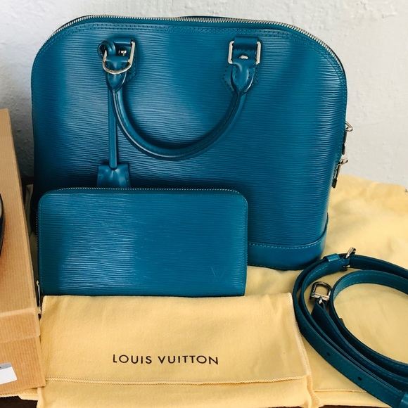 Louis Vuitton Handbags - Louis Vuitton Alma Epi PM sets with the wallet